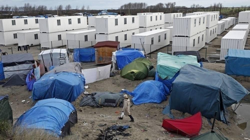 مخيم كاليه في باريس الذي فككته فرنسا لاحقاً (الوكالات)