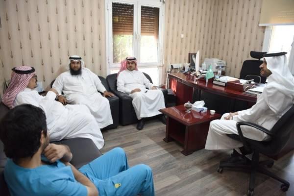 الأسمري خلال إطلاق الحملة من مستشفى الصحة النفسية (الوطن)