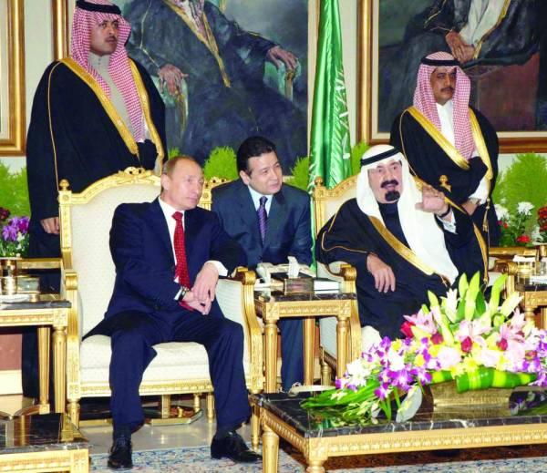الملك عبدالله - رحمه الله - مستقبلا الرئيس بوتين في فبراير 2007