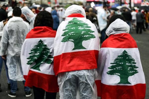 استمرار المظاهرات اللبنانية (ا ف ب)