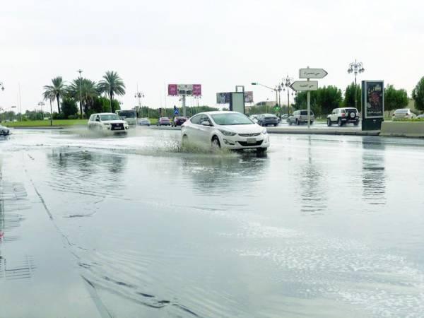 جانب من هطول الأمطار على تبوك (الوطن)