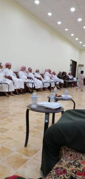 أهالي الضحية يواصلون استقبال المعزين في وفاة خالد