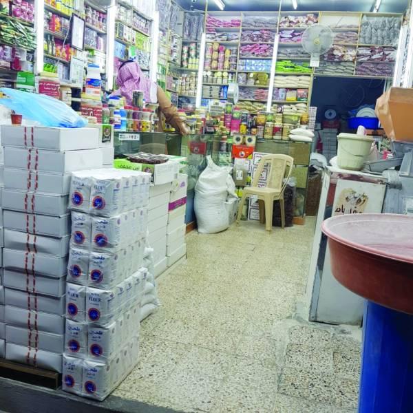 جانب من المحلات بأبها (تصوير: ماجد آل نازح)