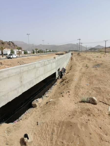 مشروع درء السيول الذي يتم العمل عليه بمحافظة ثار  (الوطن)