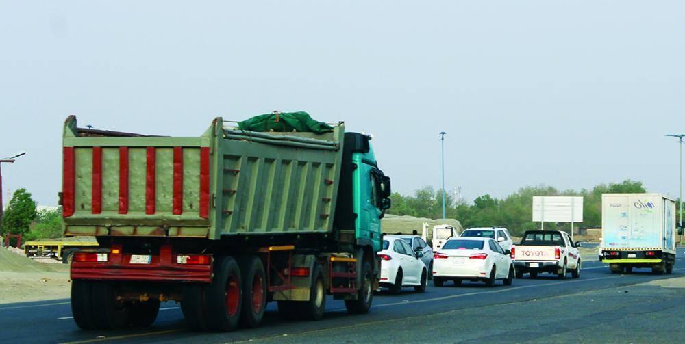 شاحنة تشكل كمين (تصوير:يحيى كميت)