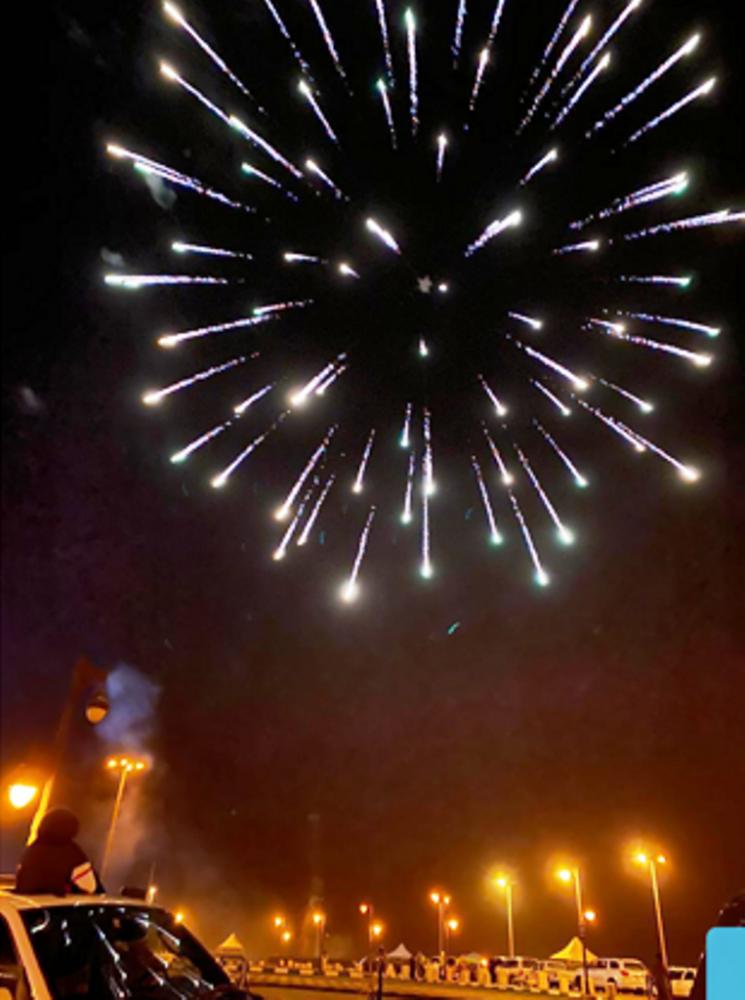 جانب من الألعاب النارية ببلسمر (الوطن)