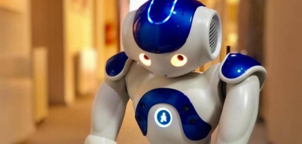 روبوت يكتب مسرحية