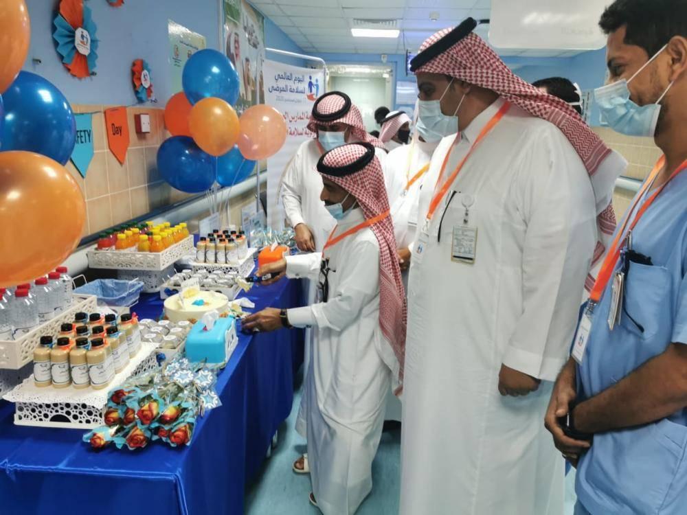 عداوي يدشن اليوم العالمي لسلامة المرضى بمستشفى الدرب العام تصوير سلطان عسيري