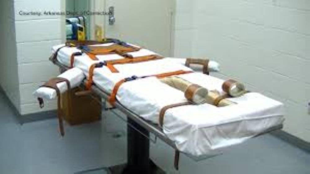 سجين نجا من الإعدام يموت بكورونا