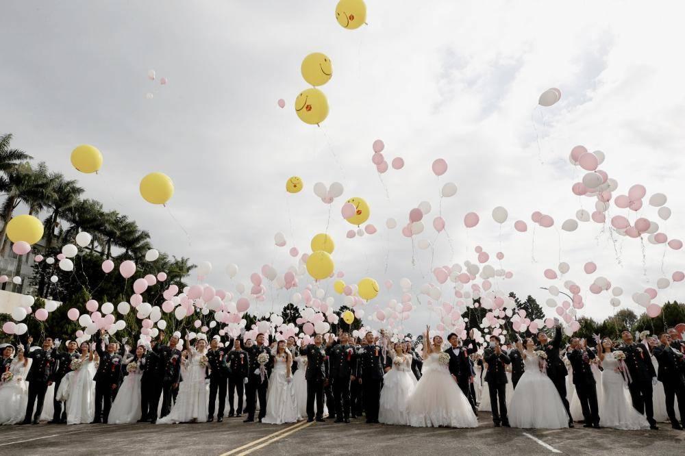 تايواني يتزوج امرأة 4 مرات