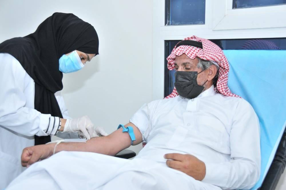 جانب من حملة مشروع التبرع بالدم في الأحساء