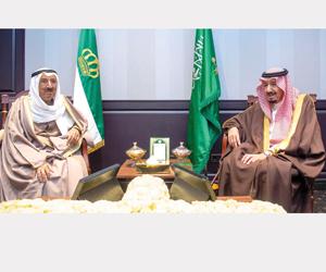 خادم الحرمين يستعرض العلاقات والتعاون مع دول عربية