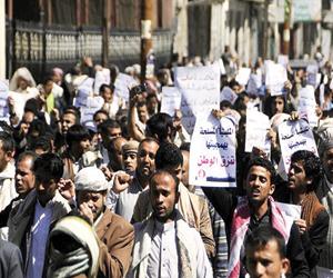الشرعية تحذر من الممارسات القمعية للحوثيين في صنعا