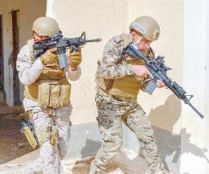 درع العرب 1 تنفذ عملية لاقتحام بؤرة إرهابية مسلحة