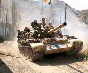 قوات الشرعية تطارد الحوثيين بالساحل وتؤمن دخول الم