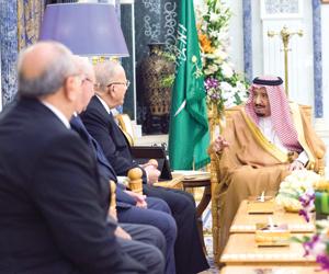 خادم الحرمين يستقبل رئيس الوزراء الصومالي ووزير ال