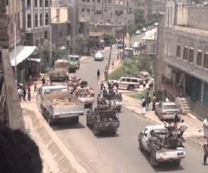 الميليشيات تنهي عمل مئات المعلمين في إب