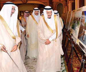 نائب خادم الحرمين يطلع على خطة تطوير وسط الرياض