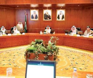 أمير مكة يستعرض مهام لجنة السلامة المرورية