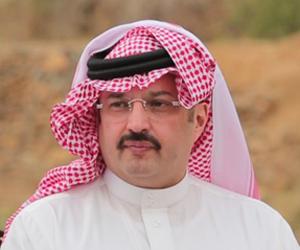 تركي بن طلال يشيد بجناح الجوازات