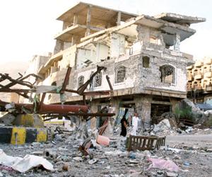 الجزيرة تسابق المسيرة في التضليل للمجزرة الحوثية