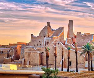 جدران قصر سلوى تتحول لشاشات تعرض ملاحم الدولة السع