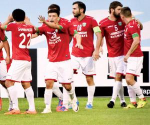 لوكوموتيف يعصف بآخر آمال الكرة السعودية