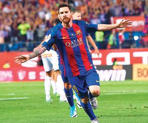 برشلونة يحتفظ بميسي  حتى 2021