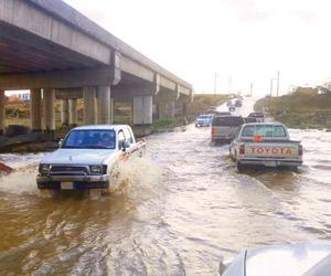 وفاة 5 ونجاة شاب في أمطار الجنوب