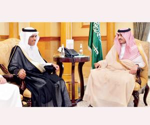 نائب أمير مكة يستعرض توطين الوظائف