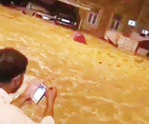 أمطار الكويت وحرائق كاليفورينا وحافلة زيمبابوي ومز
