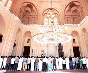 مسجد الملك سعود.. تصميم فريد في قلب جدة