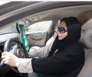 مدربات عربيات لتعليم السيدات القيادة والشورى يسرع