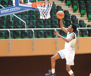 تفوق أندية وجامعات المدينة يؤكد شعبية كرة السلة