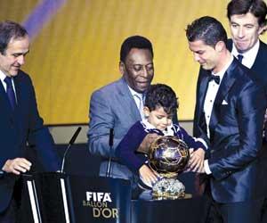 رونالدو أفضل لاعب في العالم لعام 2013