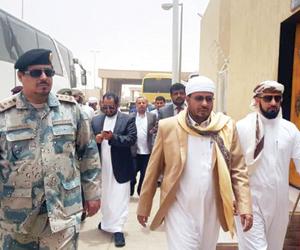 حجاج من مناطق سيطرة الحوثيين يبددون مزاعم تسييس ال