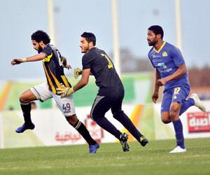 الاتحاد يعيد ترتيب إدارة كرة القدم
