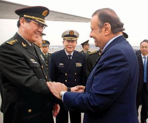 خالد بن سلطان يغادر الصين