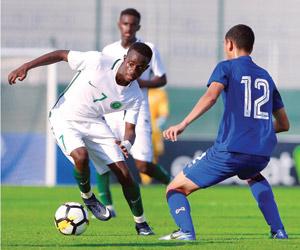 الأخضر الشاب يكثف تدريباته في دبي