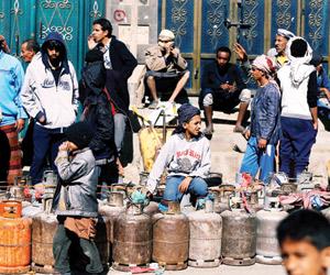 الحوثيون يفرضون ضريبة حراسة أسطوانة الغاز