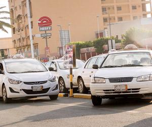 النقل تتمسك بشرط عمر مركبة الأجرة