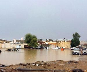 وفاة شاب في أمطار محايل والسيول تقطع طرق جازان