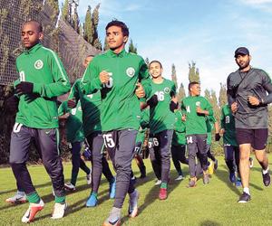 الأخضر الصغير يواجه المكسيك