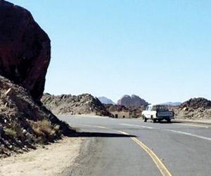 طريق سهول بللحمر.. كثافة مرورية تتطلب