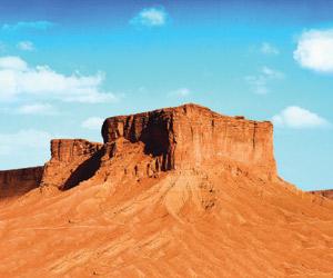 القدية تؤسس لمرحلة السياحة والثقافة الداخلية وتطوي