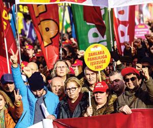عدوى السترات الصفراء تنتقل لاسطنبول بسبب غلاء المع