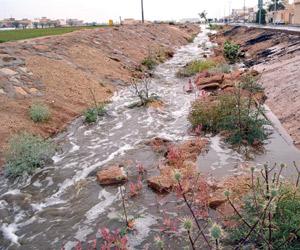 الأمطار تنعش 7 مناطق ومتطوعون ينظمون السير بالعاصم
