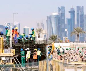 قطر تحظر سفر قياديي شركات بناء مونديال 2022