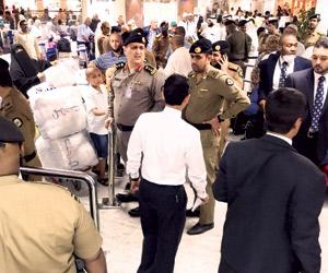 رؤية الهلال والجدولة تربكان مطار جدة