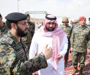 أمير منطقة جازان بالنيابة يتفقد مواقع تابعة لقوة ا